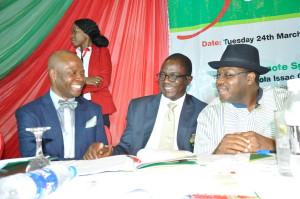 DG, NAPTIN WITH OTHER DIGNITARIES DURING THE GRADUATION